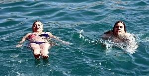 İranlı turistlerden tekne partisi!